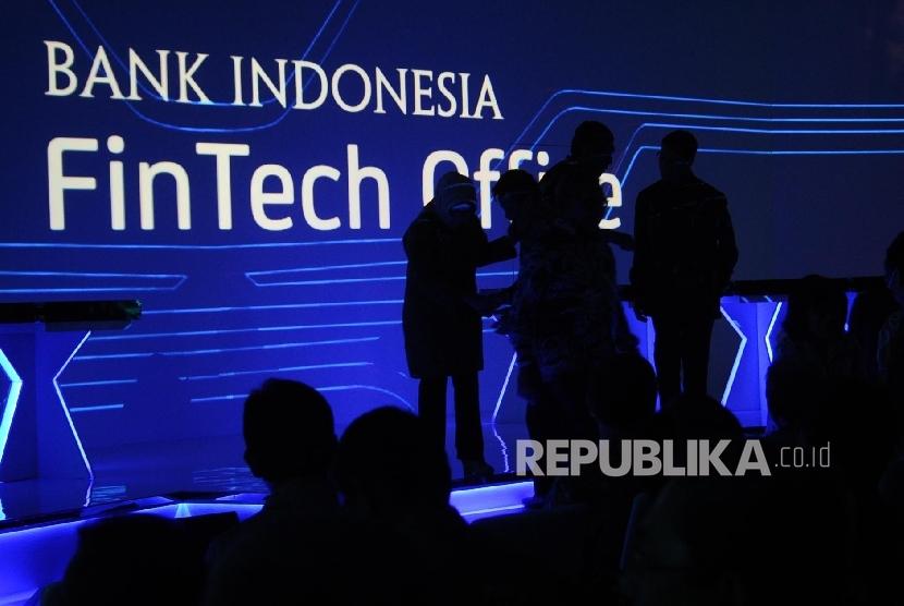 OJK dan Kemkominfo Harus Bersinergi Buat Peraturan Fintech